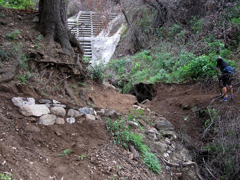 20101107007-El Prieto trailwork.JPG