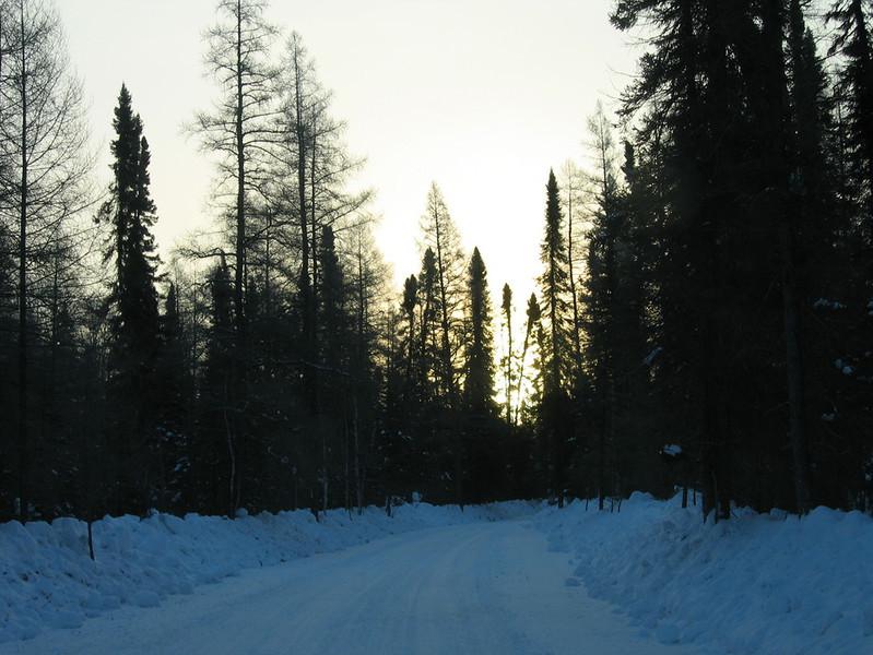 IMG_2729_sunrise_fort_hope_winter_road_resize.JPG