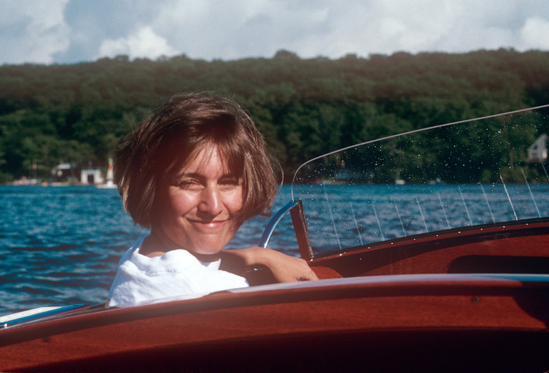 1990-08 Nicole Boating At Green Pond.jpg