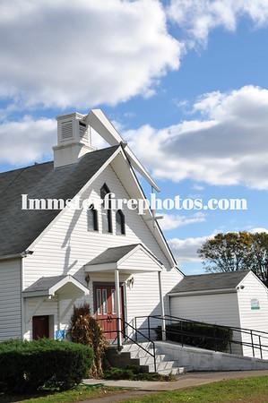 LEVITTOWN FD RECUES CHURCH STEEPLE