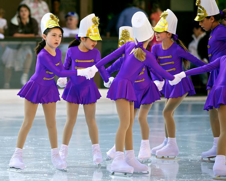 Skating  10039.jpg