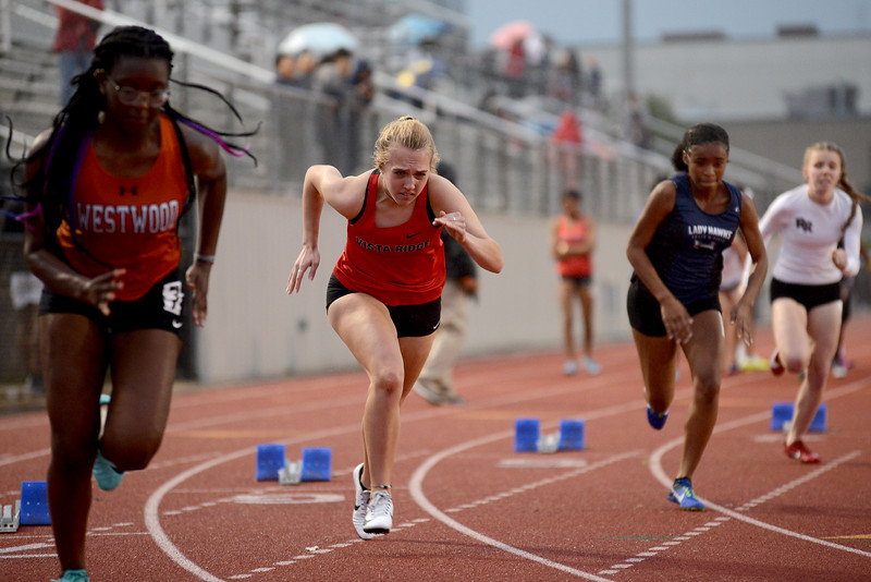HS-Track-13-6A-District-Championships_026.jpg