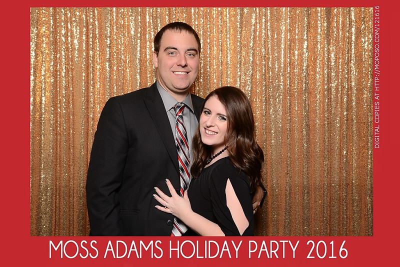 20161216_MOPOSO_Tacoma_Photobooth_MossAdamsHoliday16-175.jpg