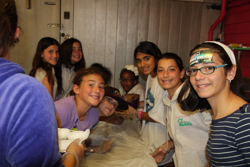 kars4kids_thezone_camp_girlsDivsion_activities_baking (22).JPG