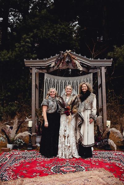 Requiem Images - Luxury Boho Winter Mountain Intimate Wedding - Seven Springs - Laurel Highlands - Blake Holly -1168.jpg