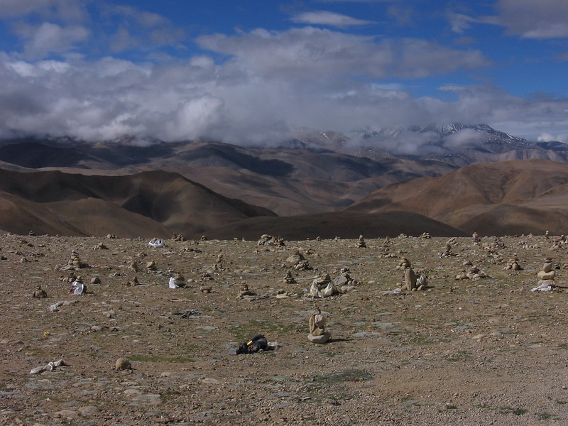 A wild scene atop a 5,100m pass