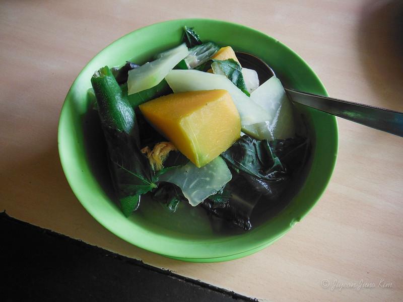 Philippines-Food-Laswa.jpg