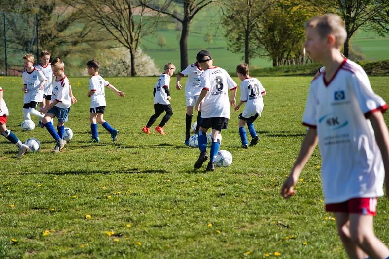 hsv-fussballschule---wochendendcamp-hannm-am-22-und-23042019-c-18_32787652417_o.jpg