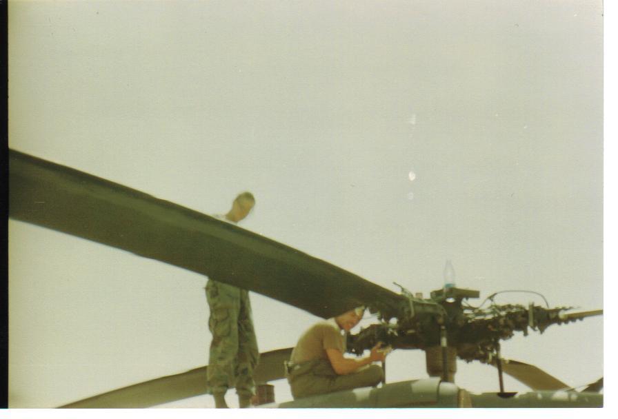 IMAGE: http://m-mason.smugmug.com/Desert-Storm/Desert-Storm-90-91-and-misc/Army-pics-166/675534509_hUoYy-XL.jpg