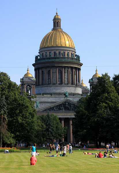 St Isaac's Cathederal, St Petersburg, viewed from pl Dekabristov (park on the bank of the river Neva).