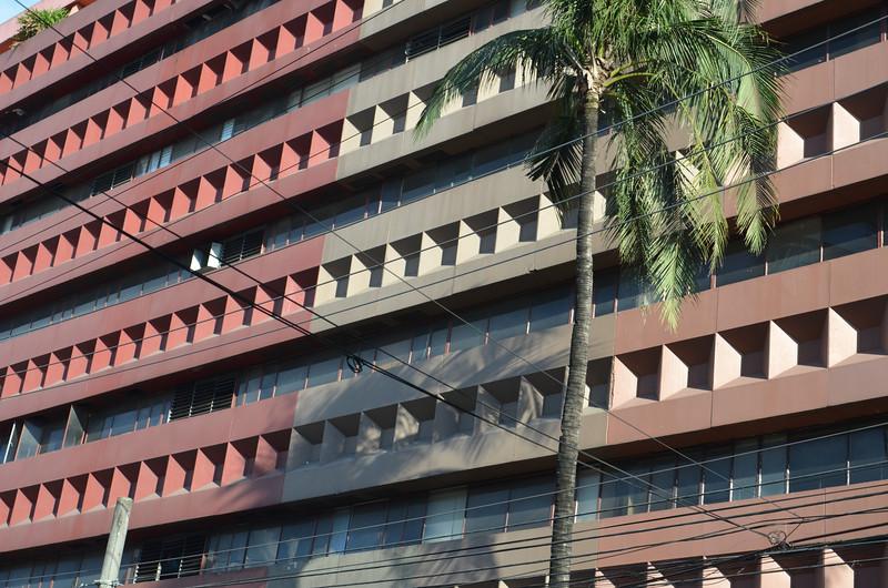 DSC_6289-bf-condominium-building.JPG