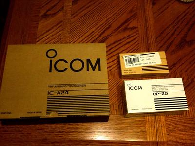 Deboxing an Icom IC-A24