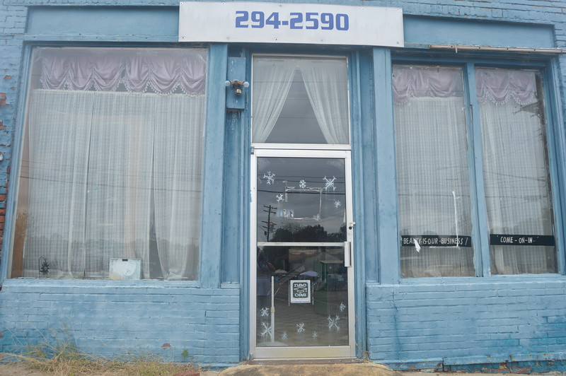 047 Abandoned Beauty Salon.jpg