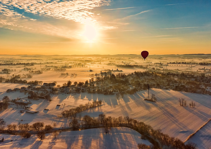 hot air balloon tour - vibrant sunlight red balloon(p, linkedin resize).jpg
