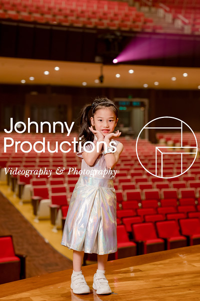 0051_day 1_orange & green shield portraits_red show 2019_johnnyproductions.jpg