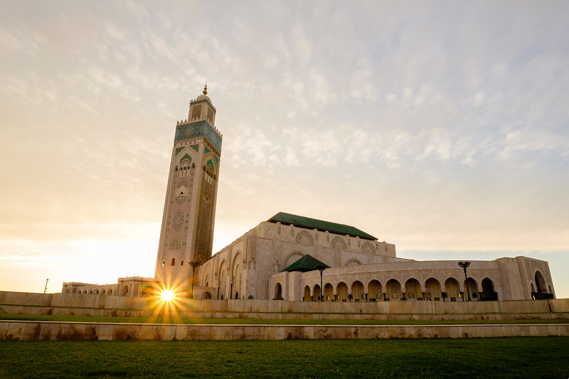 Morocco_Casablanca_Hassan II Mosque_at sunset sunburst.jpg