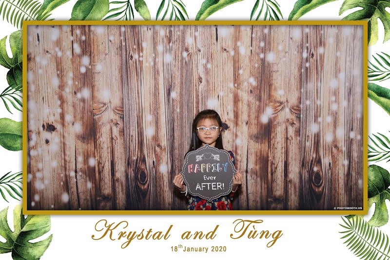 Krystal-Tung-wedding-instant-print-photo-booth-in-Ho-Chi-Minh-City-Chup-hinh-lay-lien-Tiec-cuoi-WefieBox-Photobooth-Vietnam-006.jpg