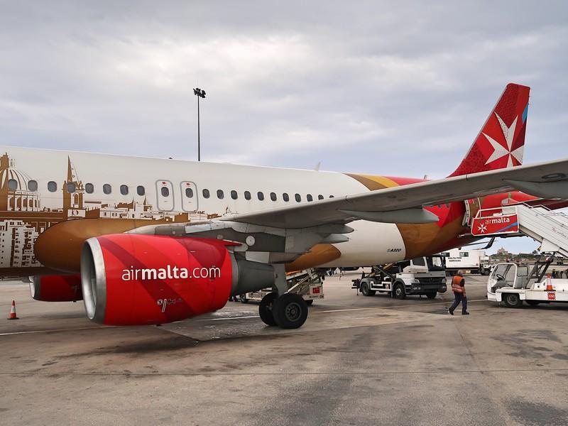 IMG_7178-air-malta-tarmac-deplane.jpg