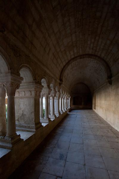 Sénanque, Notre- Dame Abbey Cloister Aisle