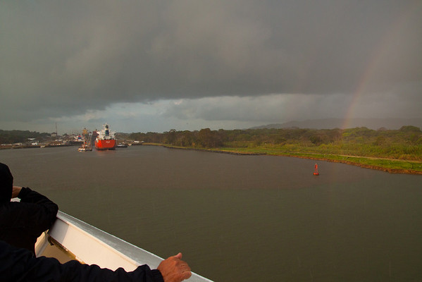 Day 8 - Panama Canal / Gatun Locks