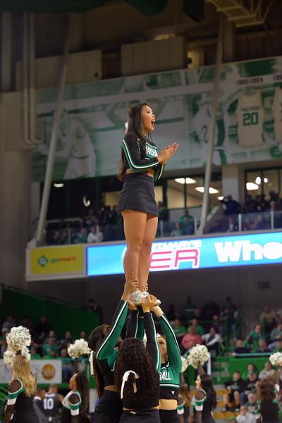 cheerleaders1107.jpg
