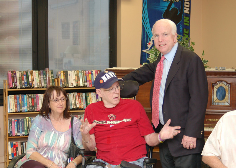 Sen McCain PVAHCS Visit 5-1-2010 5-25-33 PM.JPG