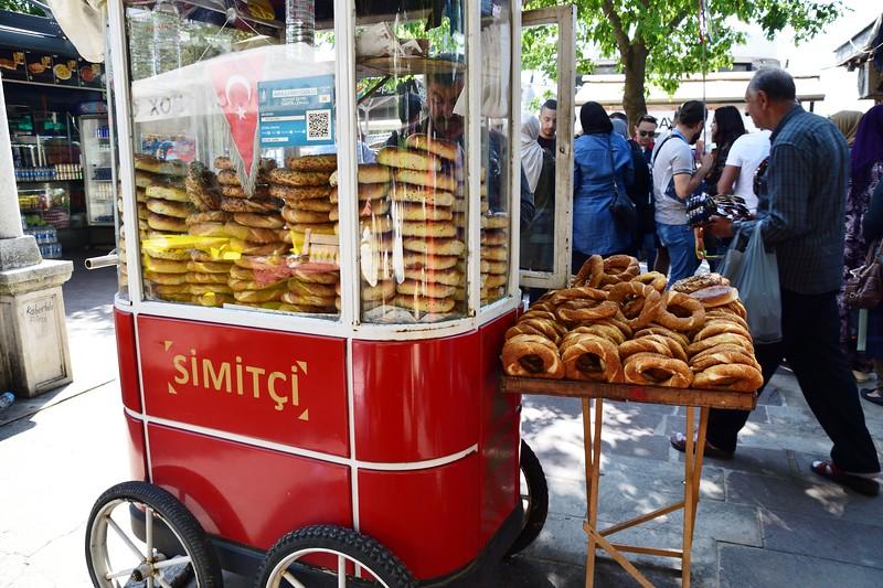 turkish cart of simit