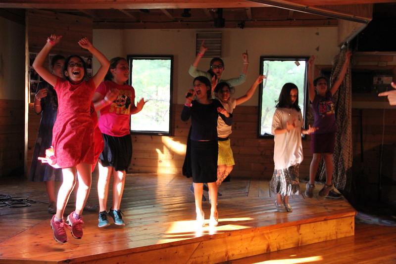 kars4kids_thezone_camp_girlsDivsion_activities_DanceAerobics (29).JPG