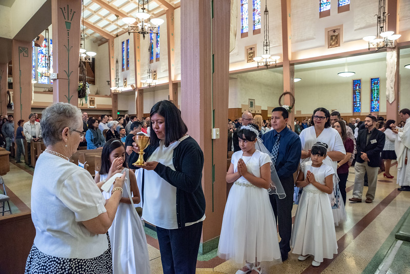 180520 Incarnation Catholic Church 1st Communion-110.jpg