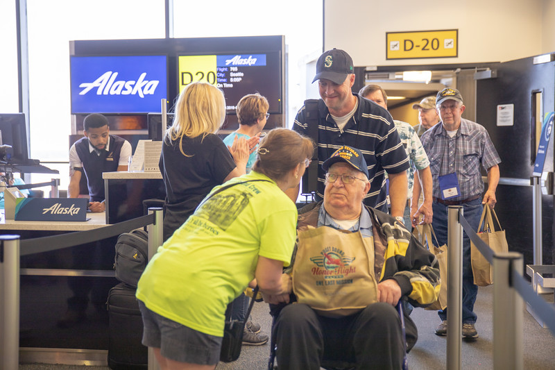 2019 May Puget Sound Honor Flight BWI Landing (8 of 25).jpg