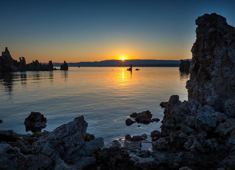 mono sunrise2.jpg