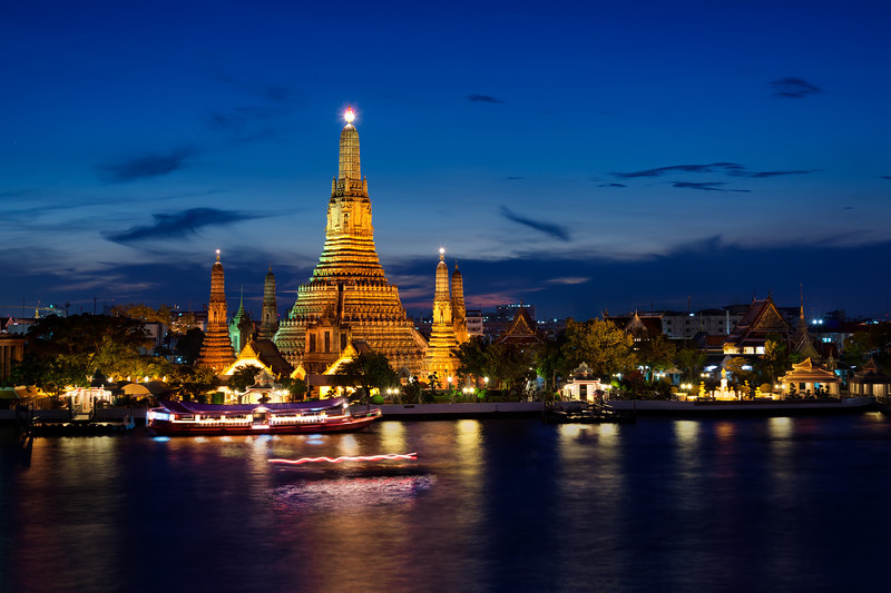 Wat Arun on the River.jpg