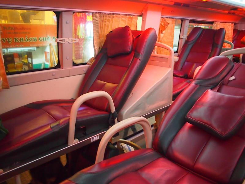 P8020289-bed-seats.JPG