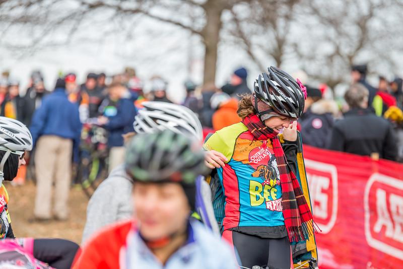 Women Cat 4 & Junior 9-14 - 2014 Montrose Harbor Cyclocross Race