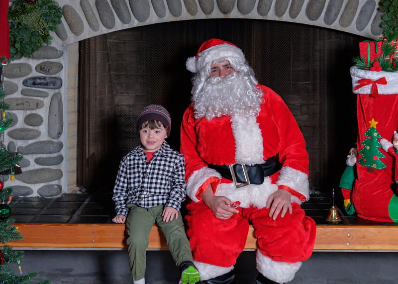 CB Santa 2019-7825.jpg