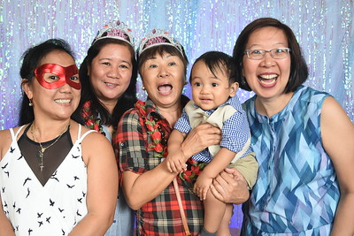 (c) Aloha Smiles  Photo Booth