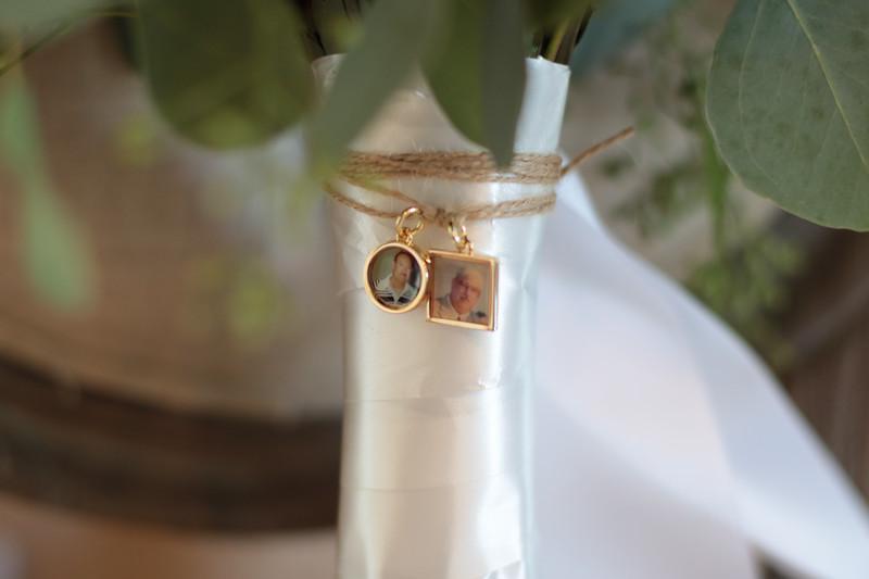 Elegant-Southern-Coastal-Wedding-Neutral-And-White-Details-Photography-By-Laina-Dade-City-Tampa-Area-Wedding-Photographer-Laina-Stafford-3.jpg