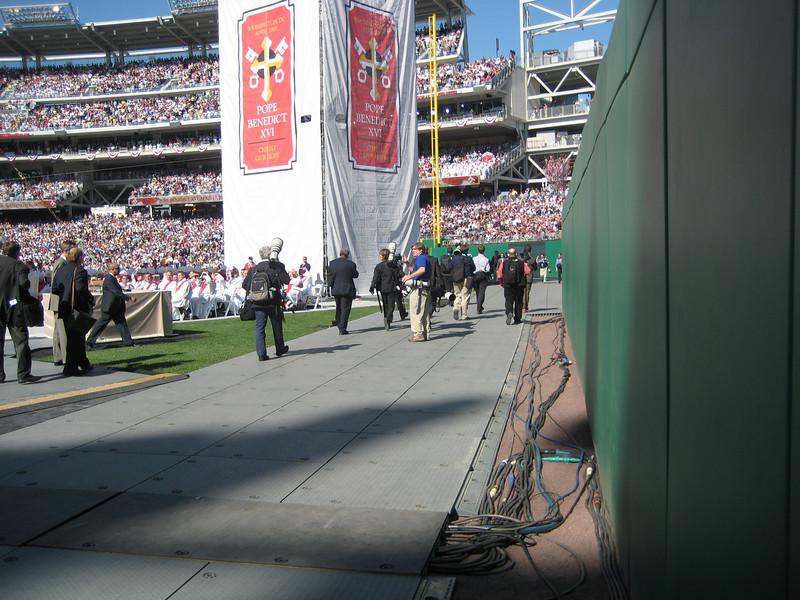 Pope Mass Nats Stadium 4-17-08 067.jpg