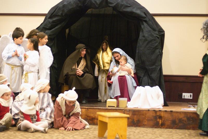 2014-12-21-Christmas-Pageant_145.jpg