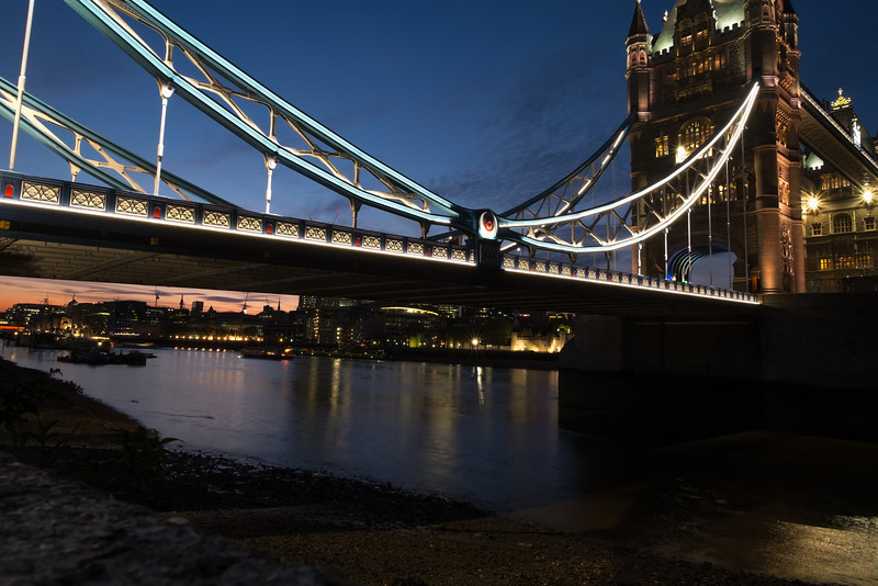 Thames and the Bridge F5015.jpg
