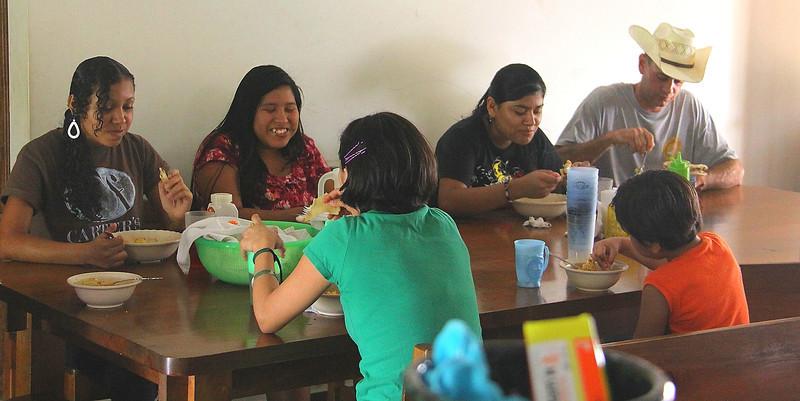 Rayo De Esperanza Mike and Karen Rhea's ministry in Guatemala