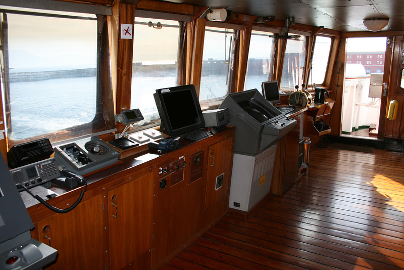 2009 - On board S/S KRISTINA REGINA : the bridge.