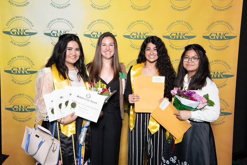 Scholarships-Awards-2019-0712.jpg