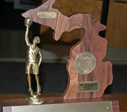 2007 District Basketball Finals - Pioneer vs Dexter