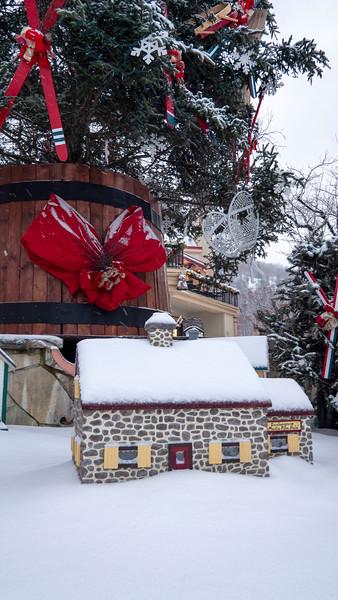 Mont-Tremblant-Quebec-Pedestrian-Village-20.jpg