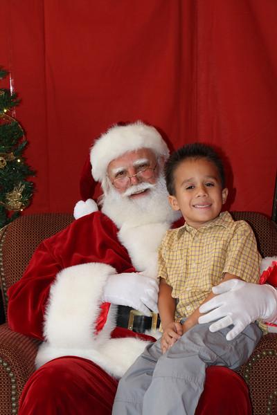 Santa Clause 27NOV2010-134.JPG
