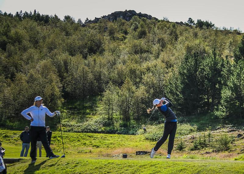 Ragnhildur Kristinsdóttir og Hulda Clara Gestsdóttir.  Íslandsmót golf 2019 Grafarholt - 1. keppnisdagur. Mynd: seth@golf.is