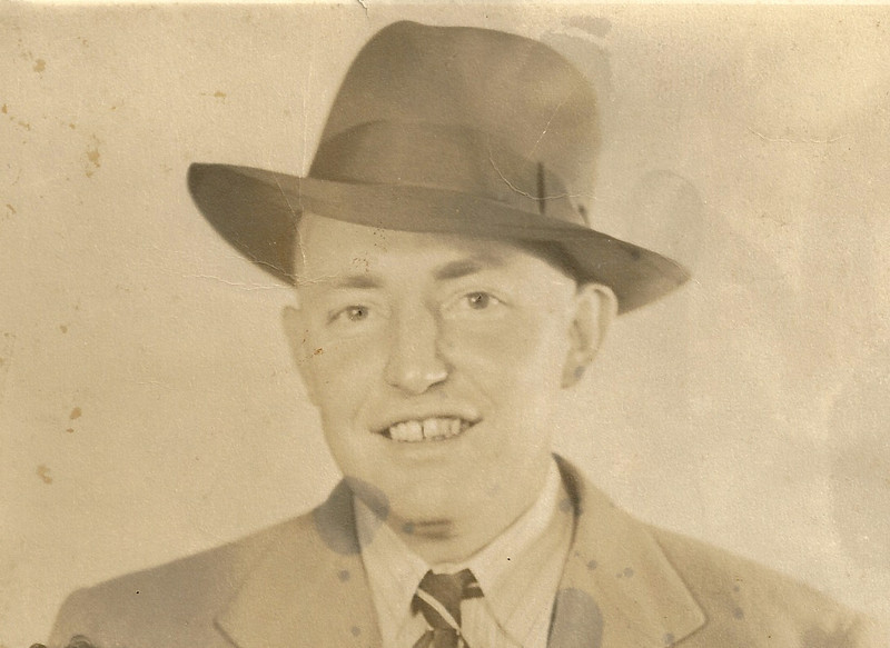 Howard Moore  Papa's oldest brother died in 1958