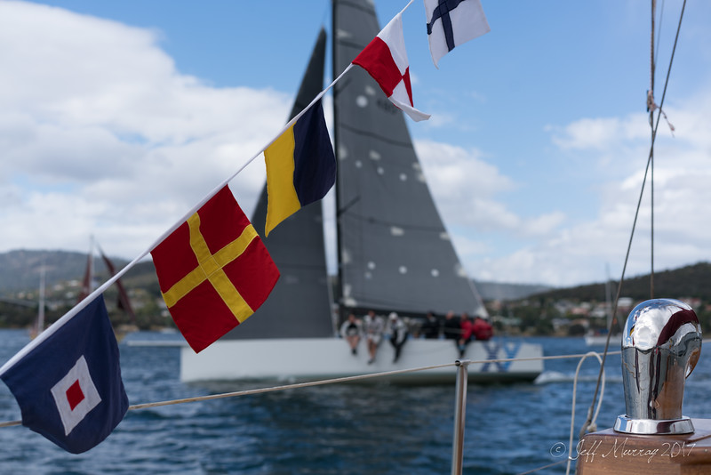 XY and signal flags