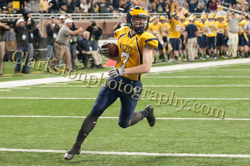 2014 Clarkston Varsity Football vs. Saline 387.jpg